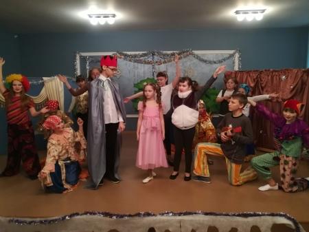 Спектакль для детей «Новогодние приключения Маши и Вити»