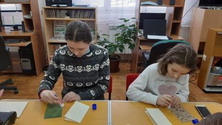 Библиотека №4 приняла участие в акции «Сильные духом: читаем книги о разведчиках и партизанах»