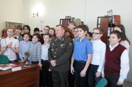 Хочется мальчишкам в армии служить