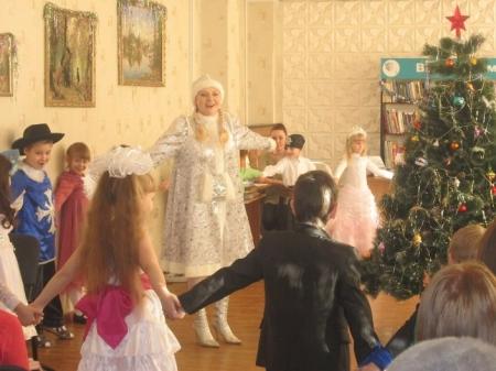 Праздничная программа «Новогодний сюрприз или Снежные чудеса»